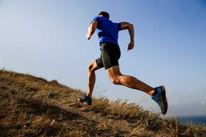 Chạy leo dốc giúp đốt cháy calo nhanh hơn