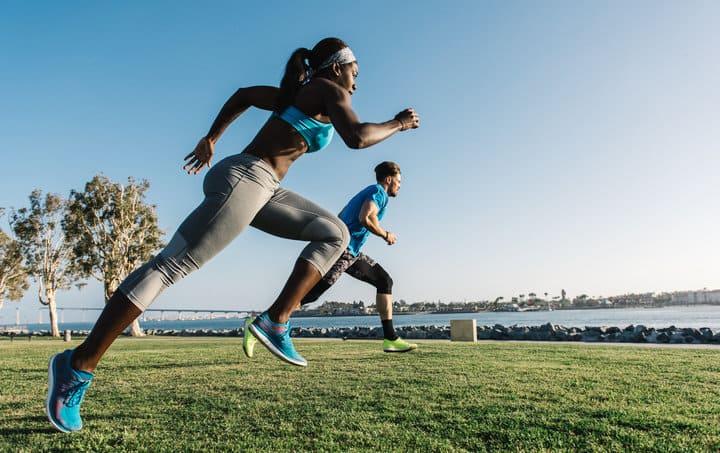 Nâng cao tốc độ chạy bộ là cách giúp bạn giảm mỡ béo nhanh chóng.
