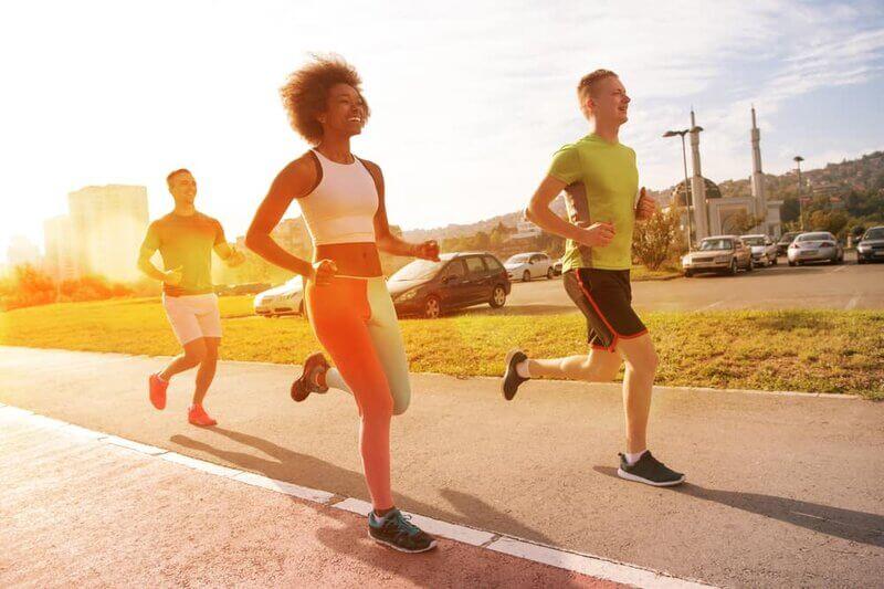 Chạy bộ buổi sáng có giúp giảm cân, giảm mỡ bụng không?