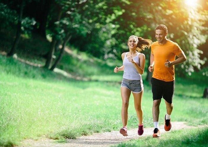Chạy bộ buổi sáng đem lại cho chúng ta nhiều lợi ích về mặt sức khỏe, thể chất và tinh thần