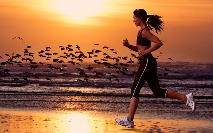 Chạy bộ buổi sáng giúp giảm cân hiệu quả