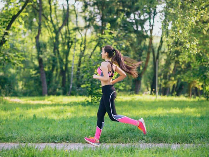 Các chị em nên chọn trang phục chạy bộ thoải mái