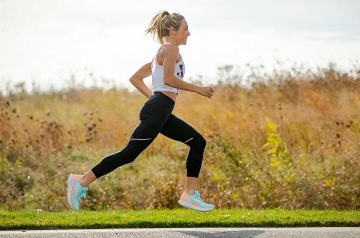 Hít thở đúng cách khi chạy bộ nhanh giúp bạn nạp được nhiều oxy hơn