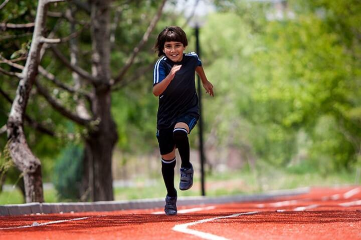Chạy bộ có giúp tăng chiều cao không? là vấn đề đang được quan tâm, nhất là các bạn trẻ cũng như nhiều bậc phụ huynh có con trong độ tuổi dậy thì