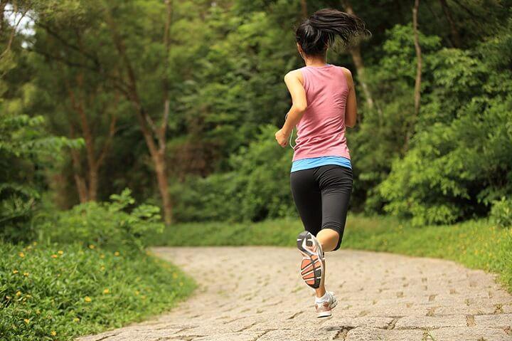 Có nhiều thời điểm khác nhau trong ngày để bạn lựa chọn làm thời gian chạy bộ như buổi sáng, chiều hay tối đều được