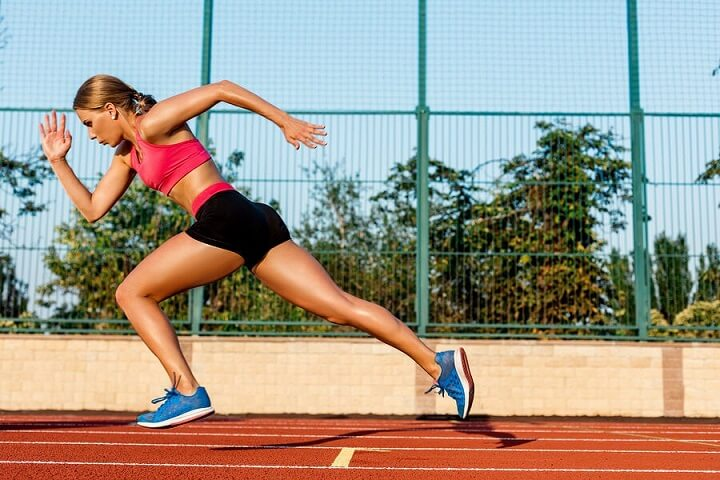 Chạy nước rút giúp bạn tăng tốc độ chạy tối ưu hơn.