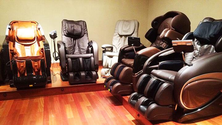 Ghế massage cũ thường có giá rẻ.