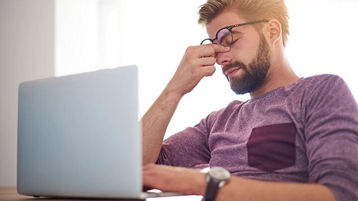 Stress là một nhóm các phản ứng của cơ thể trước tác động từ bên ngoài
