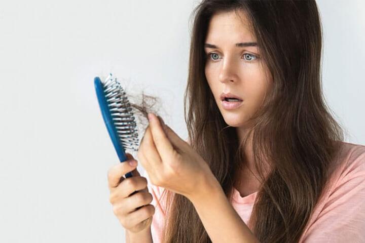 Căng thẳng quá độ sẽ khiến bạn bị rụng tóc