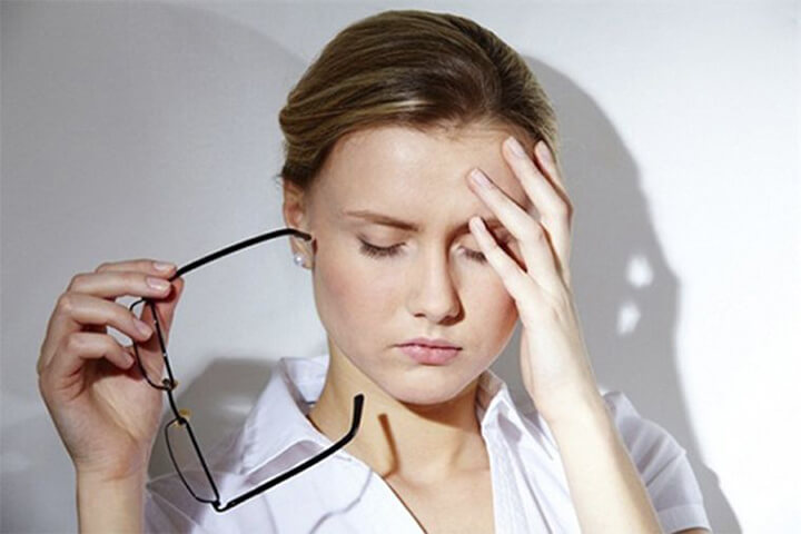 Co giật mí mắt là một dấu hiệu nhất thời của tress