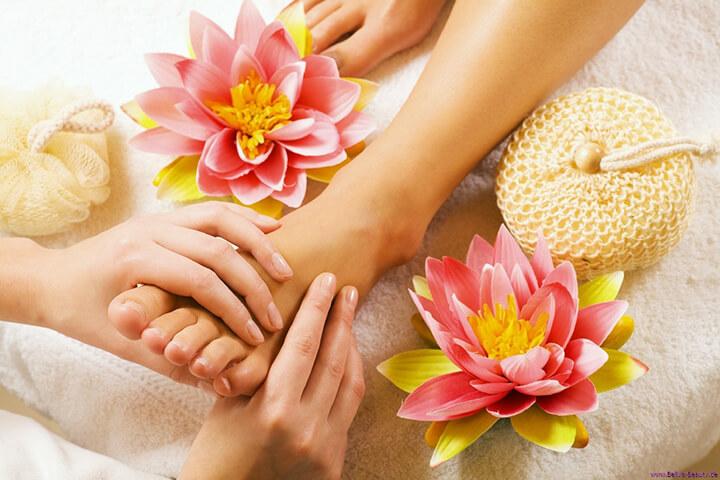 Massage chân giúp làm dịu nhanh cơn đau nhức