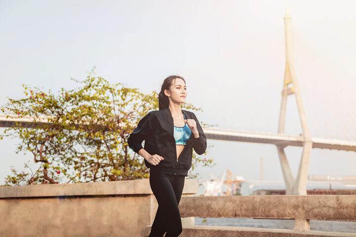 Đi bộ đúng cách giúp giảm cân nhanh chóng