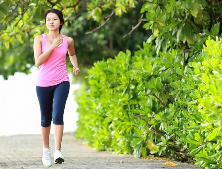Cách đi bộ giúp chân thon gọn