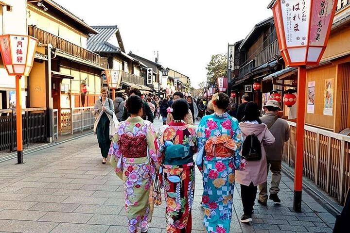 Đi bộ kiểu Nhật mang đến cách giảm cân cực kì hiệu quả.