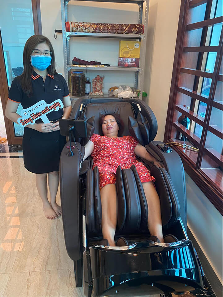 Mua ghế massage Oreni miễn phí giao hàng và lắp đặt tại nhà trong vòng 24h