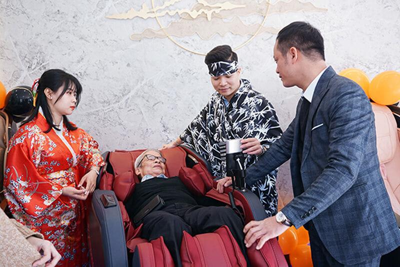 Địa chỉ bán ghế massage tại Hà Nội uy tín chính hãng giá tốt nhất