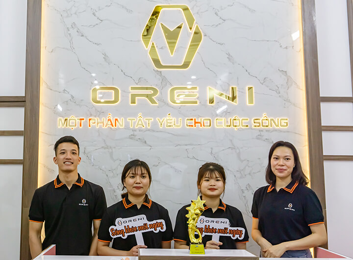 Đội ngũ chuyên viên tư vấn của cửa hàng ghế massage Oreni Hoài Đức
