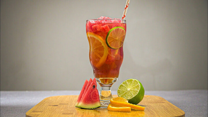 Trà dưa hấu là thức uống giúp giải nhiệt trong những ngày hè nóng bỏng