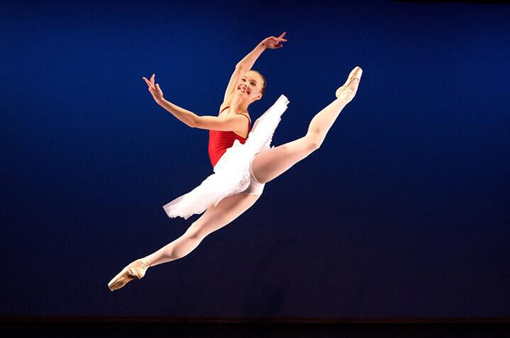 Tập múa Ballet giúp nâng cao khả năng giữ thăng bằng.