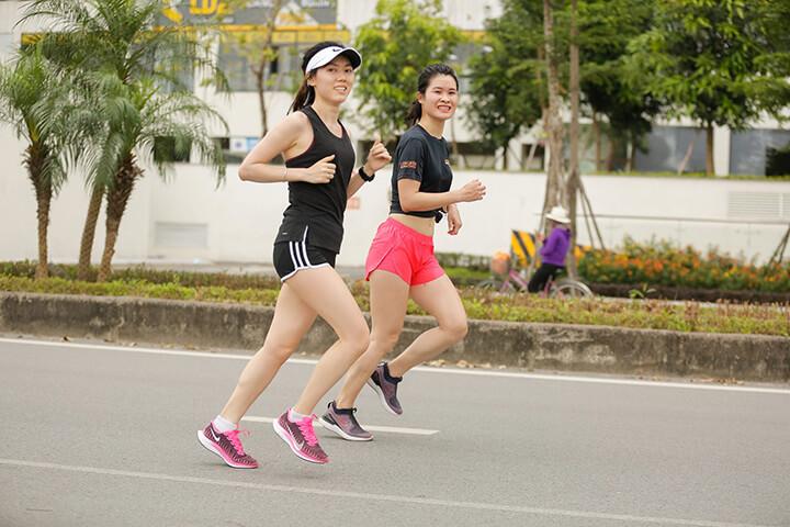 Chạy bộ là bài tập Cardio tốt cho sức khỏe tim mạch.