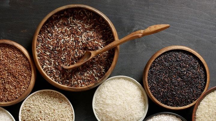 Gạo lứt giàu chất xơ, vitamin và khoáng chất