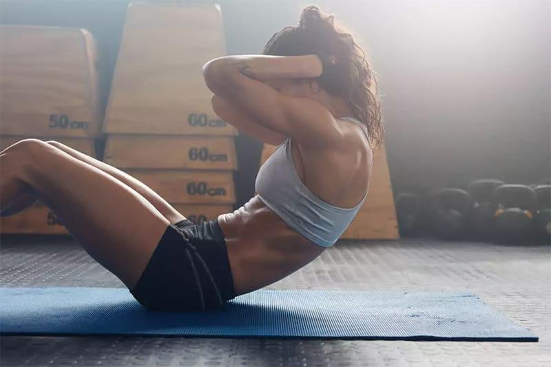 Gập bụng có tác dụng gì? Cần lưu ý gì để tập hiệu quả nhất?