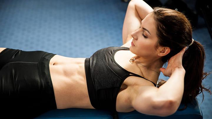Bạn có thể giảm béo bụng hiệu quả khi gập bụng thường xuyên