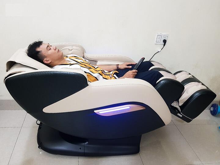 Ghế massage hồng ngoại đáp ứng nhu cầu chăm sóc sức khoẻ của đa dạng nhóm người.