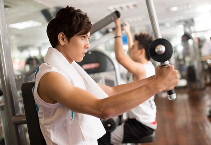 Người hay tập luyện, VĐVthể thao nên dùng ghế massage không trọng lực để cơ bắp phục hồi nhanh chóng.
