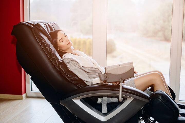 Ghế massage rất tốt cho nhân viên văn phòng
