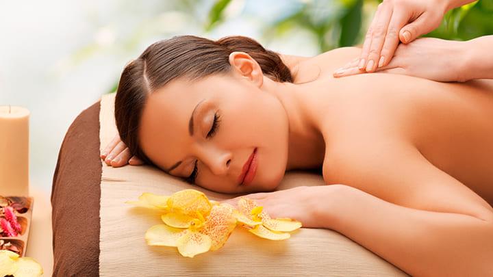 Massage là một trong những liệu pháp giúp cải thiện tuần hoàn máu hiệu quả