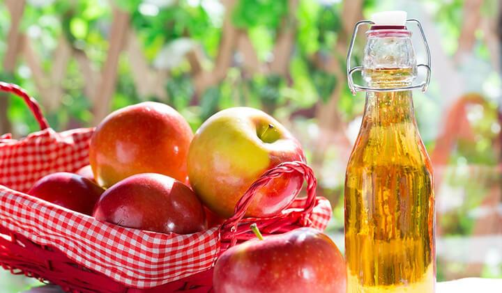 Giấm táo với nước lọc nên dùng vào buổi sáng