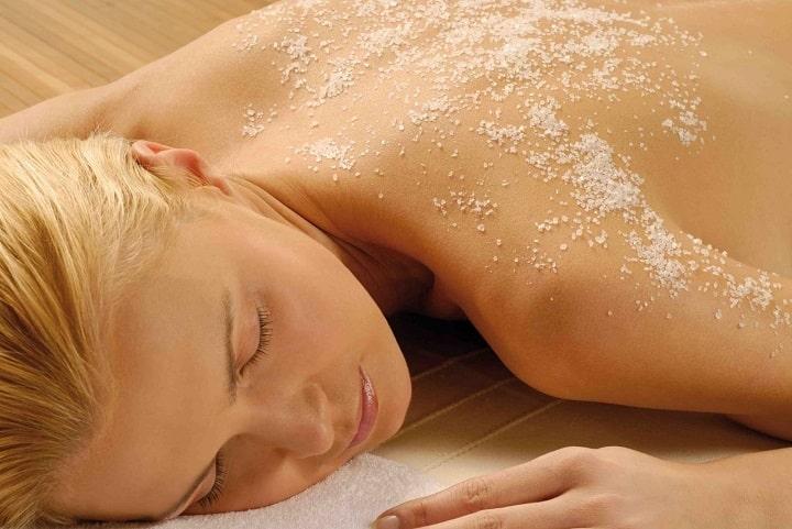 Sử dụng muối massage hiệu quả