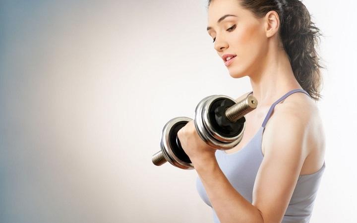 Bài tập tạ giúp giảm mỡ bắp tay hiệu quả