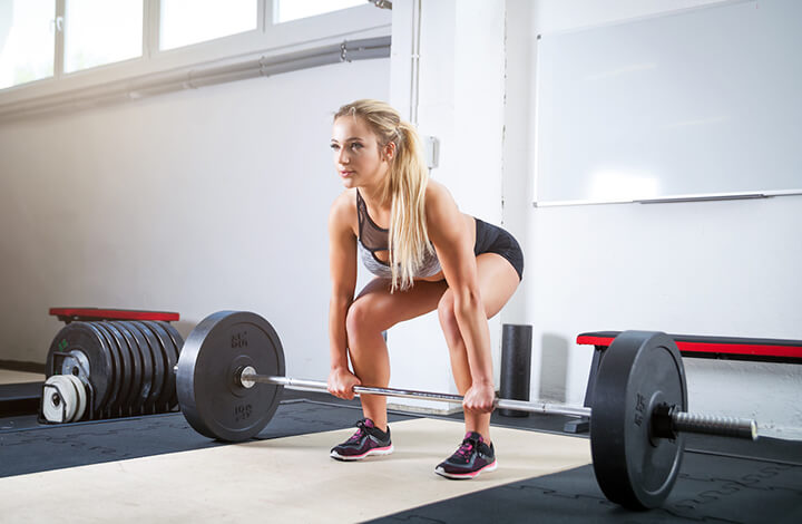 Tập luyện thường xuyên Deadlifts là cách giảm mỡ đùi hiệu quả