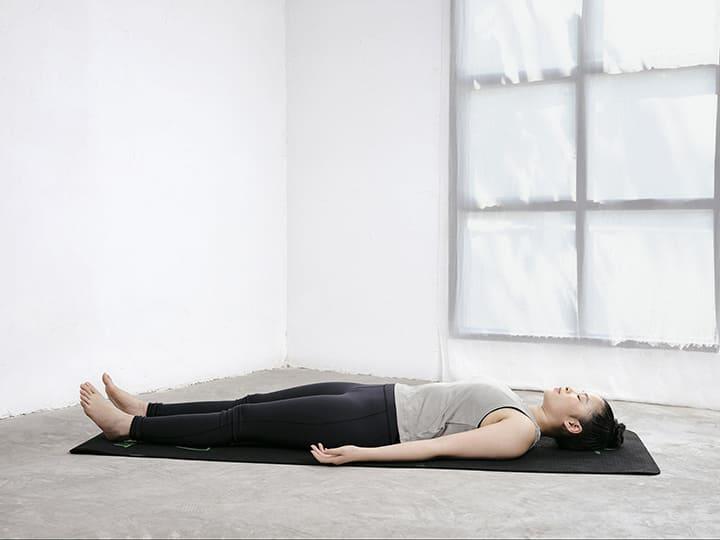 Tư thế Savasana giúp bạn thư giãn và giải tỏa căng thẳng hiệu quả
