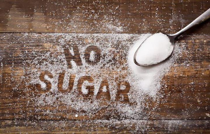 Nên hạn chế ăn thực phẩm chứa nhiều đường trong chế độ ăn healthy
