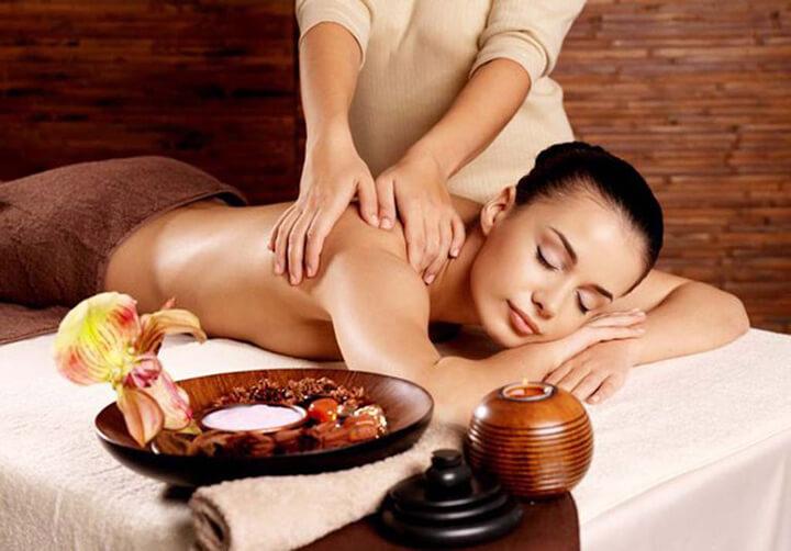 Khắc phục tình trạng đau vai gáy hiệu quả nhờ massage vai cổ