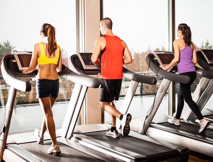 Máy chạy bộ đang là thiết bị thể dục được ưa chuộng nhất hiện nay.