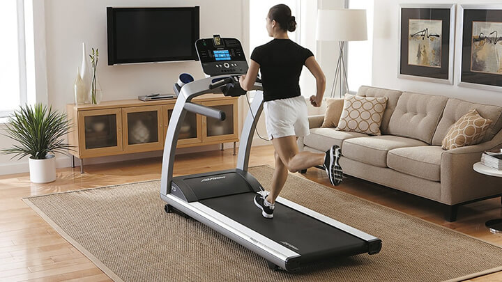 Máy chạy bộ đặt đúng vị trí sẽ giúp bạn thoải mái và tập luyện hiệu quả hơn.