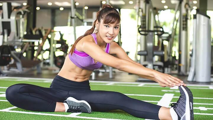 Khởi động kỹ trước khi tập gym giúp phòng ngừa các rủi ro khi tập luyện