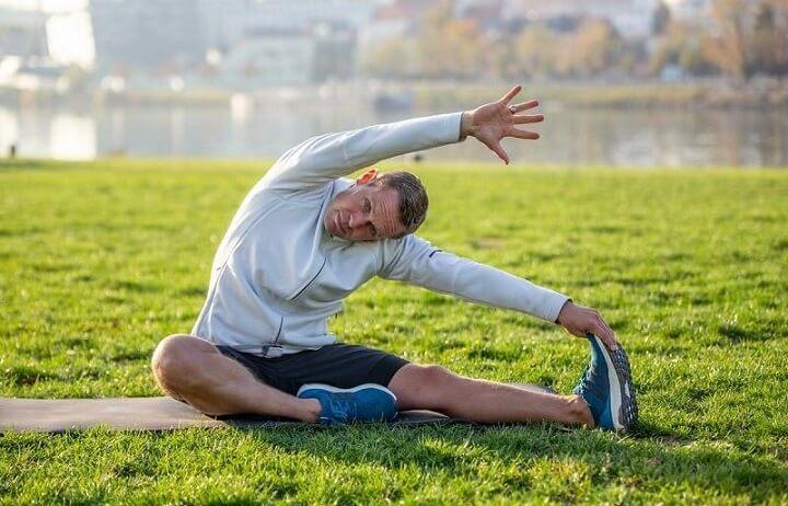 Thực hiện tốt các động tác khởi động trước khi chạy bộ sẽ mang lại nhiều lợi ích trong suốt quá trình luyện tập.