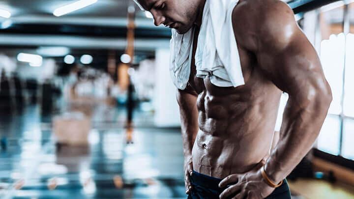 Tắm nước lạnh sau khi chơi thể thao rất nguy hiểm cho sức khỏe của bạn.
