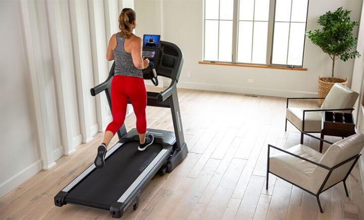 Kích thước máy chạy bộ liên quan đến nhiều vấn đề trong quá trình tập luyện của bạn.