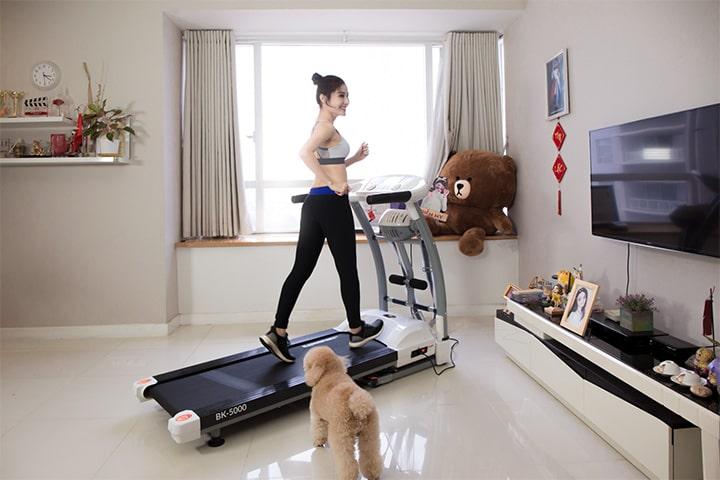 Máy chạy bộ tại nhà là gì?