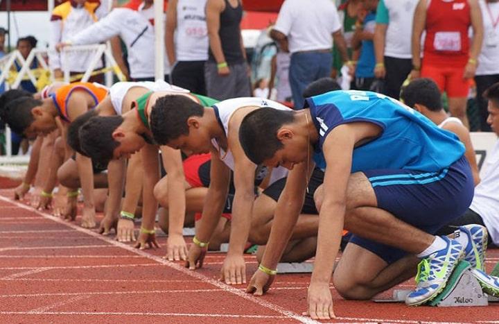 Tập luyện tư thế xuất phát khi chạy 100m cũng rất quan trọng