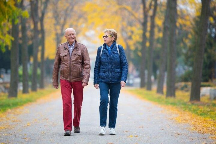 Đi bộ mỗi ngày rất tốt sức khỏe cho mọi đối tượng