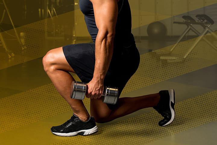 Tư thế tập thẳng của Lunge giúp giảm cong vẹo cột sống hiệu quả
