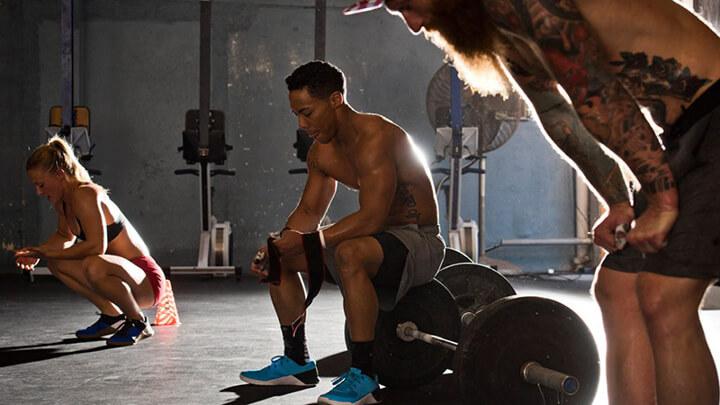 Lưu ý không nghỉ giữa hiệp quá lâu khi tập Gym