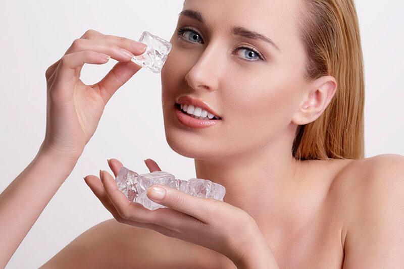 Bỏ túi 6 cách massage mặt bằng đá lạnh cực hiệu quả tại nhà